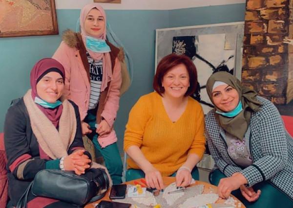 مركز تأهيل الفتيات بنابلس ينظم دورة تدريبة في مجال التجميل