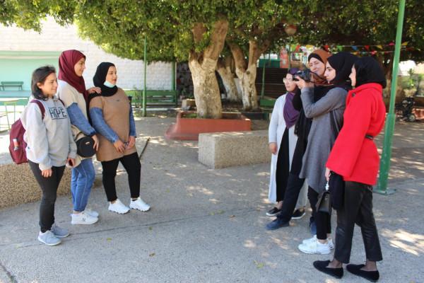 تأهيل فتيات نابلس ينظم زيارات ميدانية مهنية لطالبات التصوير الفوتوغرافي