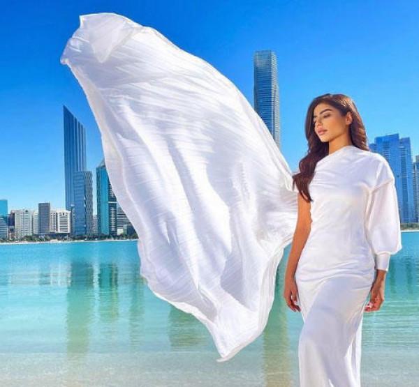 اختاري فستان زفافك من وحي فساتين زفاف المذيعات العربيات