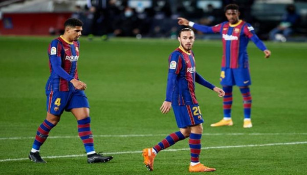 برشلونة يتراجع للمركز الرابع في الدوري الإسباني