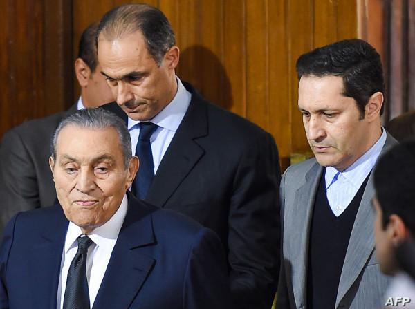 علاء مبارك يُحيي ذكرى رحيل والده بهذه الكلمات