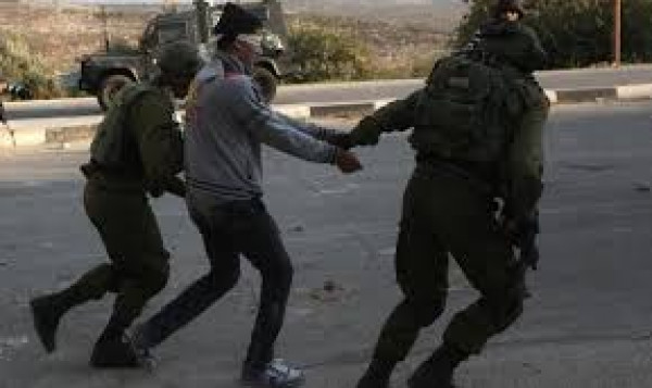 الاحتلال يعتقل شابين في المكبر والطور بالقدس