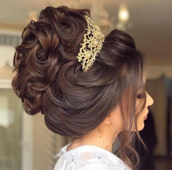 شاهدي: تسريحة الباليرينا الجميلة للعروس