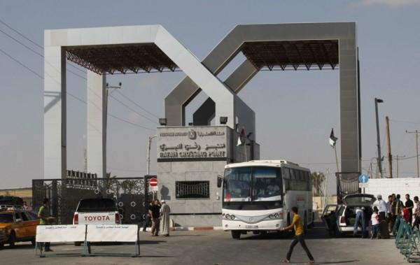 """داخلية غزة: وصول كشف """"تنسيقات مصرية"""" للسفر عبر (معبر رفح) يوم الاثنين"""