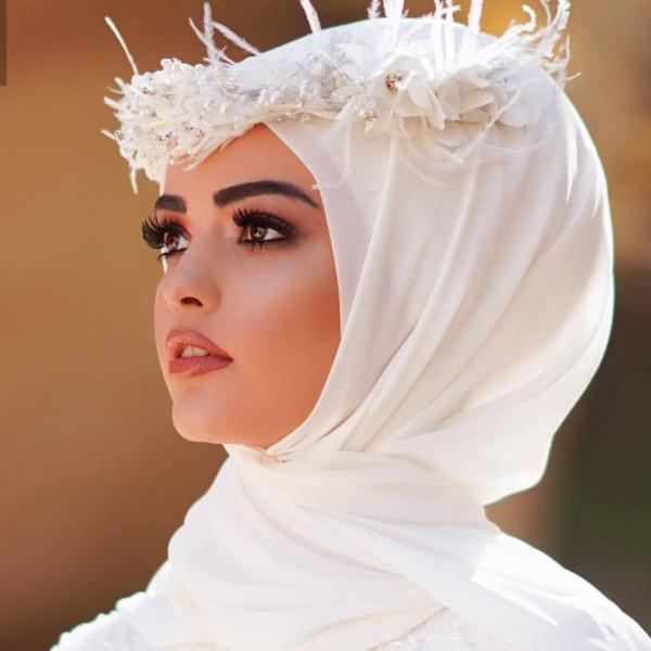 بحسب شخصيتك.. اختاري مكياجك يوم زفافك مع الحجاب