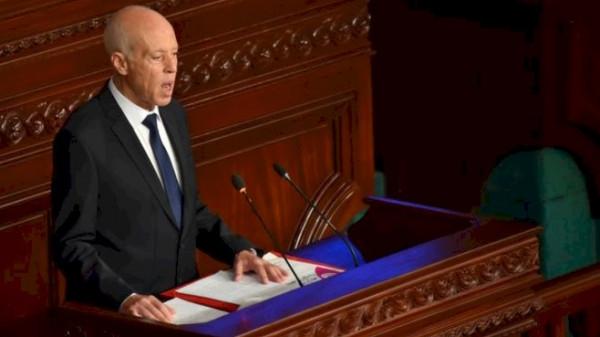 الرئيس التونسي: نحتاج اليوم لقاحات ضد (كورونا) وضد الكذب والافتراء أيضاً