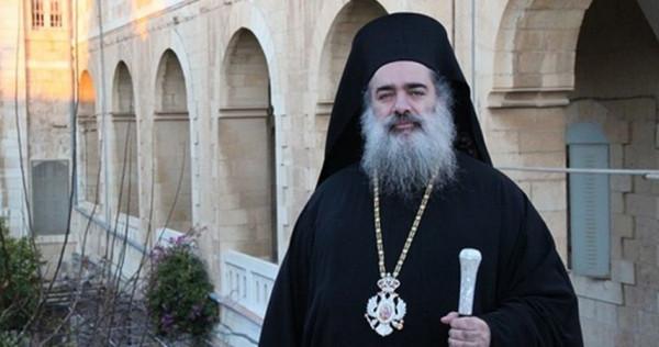 """المطران حنا"""" بوصلتنا كانت وستبقى نحو القدس التي نسكن فيها بأجسادنا و قلوبنا وضمائرنا"""""""