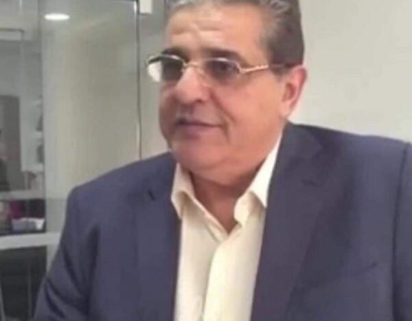 الرئيس عباس يهاتف عائلة الدكتور ضرغام أبو رمضان معزياً بوفاته