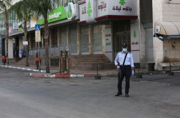 شاهد: بدء إغلاق شامل في محافظة نابلس للحد من تفشي فيروس (كورونا)