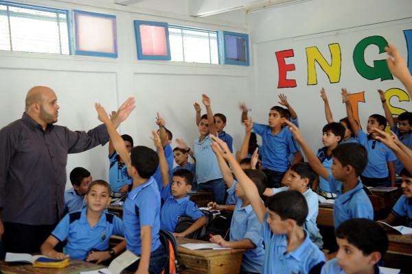 غزة: قرار بتعليق الدوام بالحصتين الأخيرتين بمدارس (أونروا) غداً الأحد