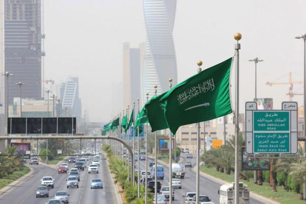 بدءاً من اليوم.. السعودية تلغي تدريجياً إجراءات الحجر الصحي لمكافحة (كورونا)