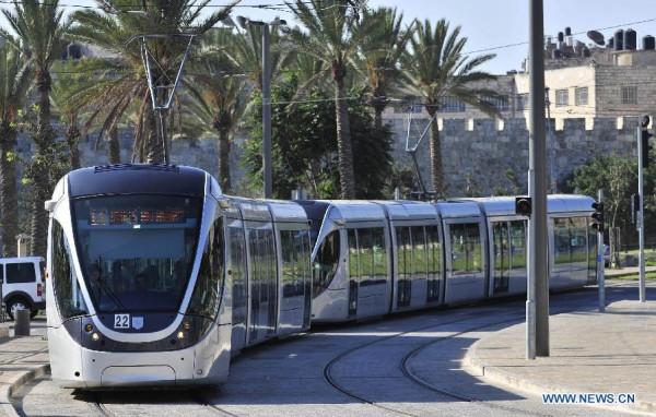 سلطات الاحتلال تشرع بتنفيذ مرحلة جديدة من مشروع القطار الخفيف التهويدي