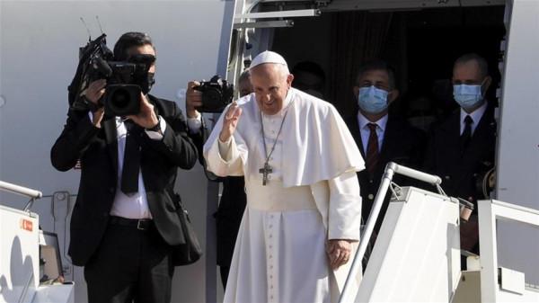البابا فرانسيس يغادر بغداد بعد زيارة تاريخية