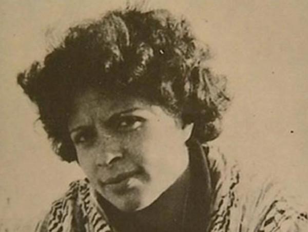 """43 عامًا على استشهاد الفدائية الأولى """"دلال المغربي"""" قائدة عملية الإنزال البحري"""