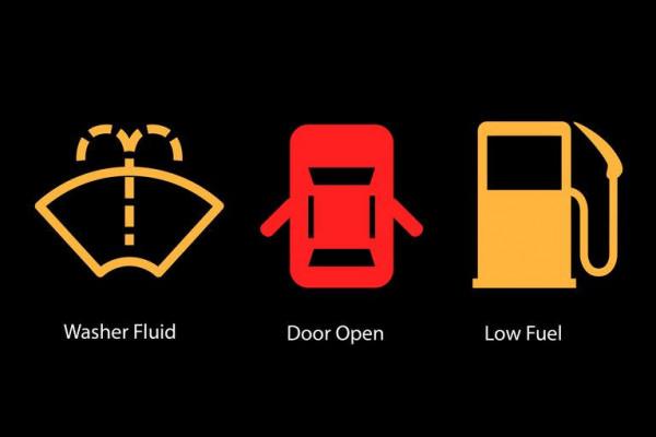 8 شفرات هامة.. ما معنى الرموز المضيئة بلوحة عدادات السيارة ؟