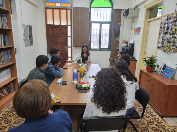 مركز اعلام ووحدة النهوض بالمرأة يطلقان مشروعا لمواجهة العنف والجريمة بالناصرة