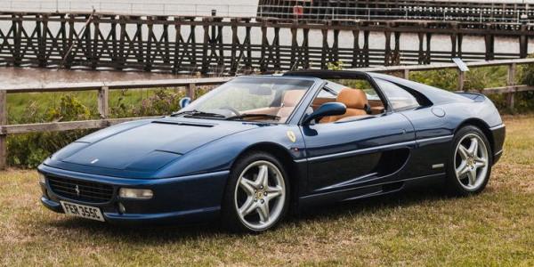 شاهد: أبرز السيارات الإيطالية من حقبة التسعينيات