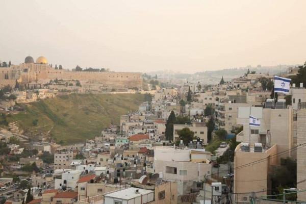 القدس: مستوطنون يستولون على ثلاث عمارات وأرض في سلوان