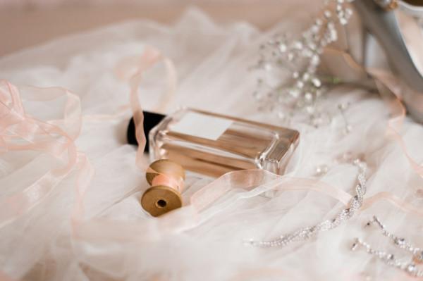 كيف تختارين العطر المناسب لشخصيتك في ليلة زفافك ؟