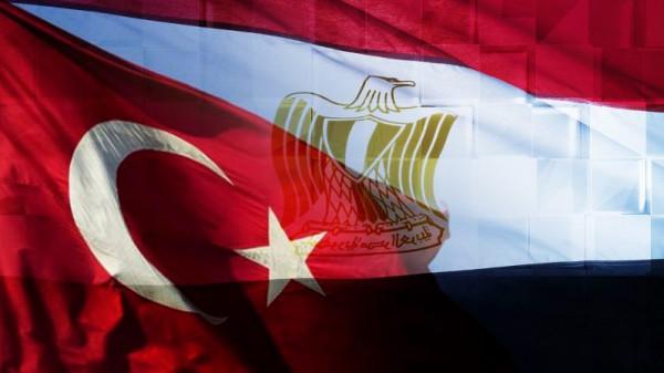 وزير الخارجية المصري يكشف تفاصيل الاتصال الذي أجراه معه نظيره التركي
