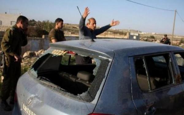 مستوطنون يعتدون على مركبة مواطن في سلفيت