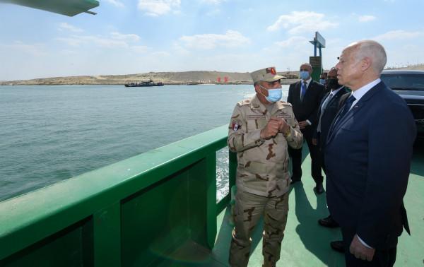 شاهد: الرئيس التونسي يزور بقايا خط بارليف