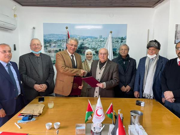 جامعة القدس توقع مذكرة تفاهم مع الهلال الأحمر لتدريب طلبة الكليات الطبية