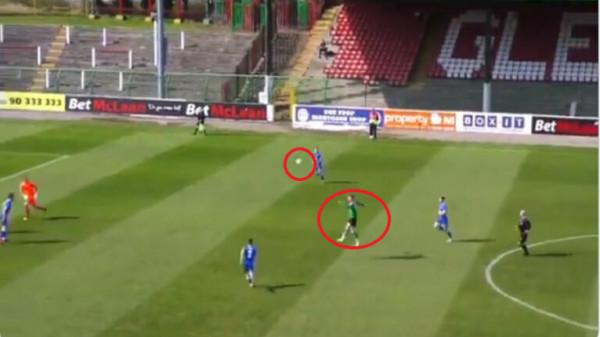 شاهد: هدف بالرأس من منتصف الملعب
