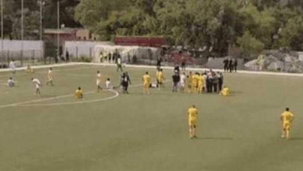 شاهد: وفاة لاعب مغربي في أرضية الملعب