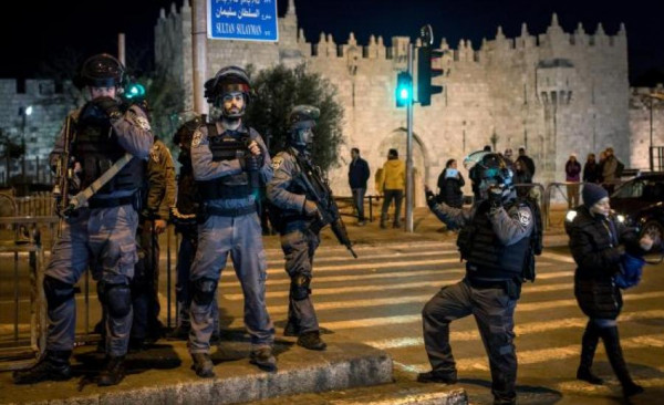 مواجهات في باب العامود ورشق حافلات للمستوطنين قرب حائط البراق