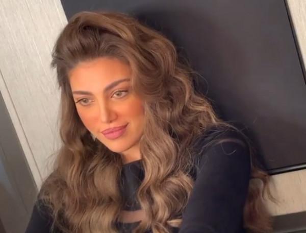 شاهد: ريهام حجاج تحدث ضجة في الإعلان عن مسلسلها الجديد