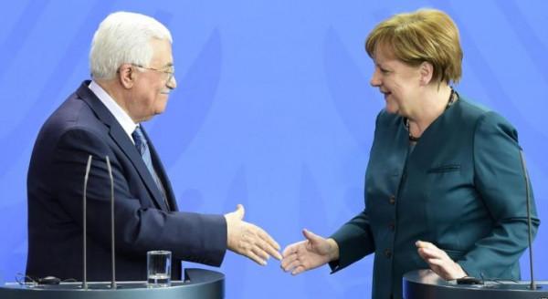 تفاصيل الاتصال الهاتفي بين الرئيس عباس والمستشارة الألمانية أنجيلا ميركل