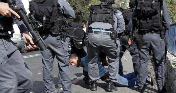 الاحتلال يعتدي على الشبان بمنطقة باب العامود في القدس المحتلة
