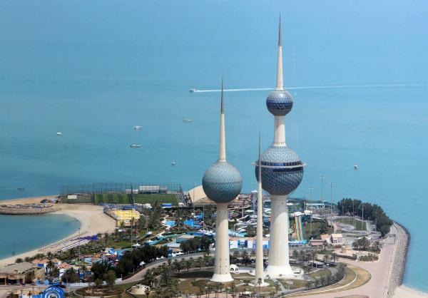 الحكومة الكويتية تنفي تقديم بعض وزارائها استقالاتهم