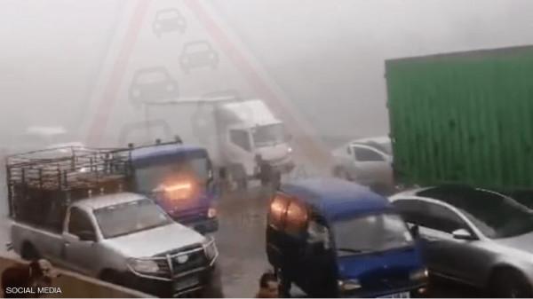 مصابون في حادث تصادم بين عشرات السيارات بالجزائر
