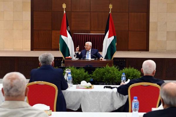"""المقرر غداً الأحد.. قيادي فلسطيني يكشف جدول أعمال اجتماع """"التنفيذية"""" برئاسة الرئيس عباس"""