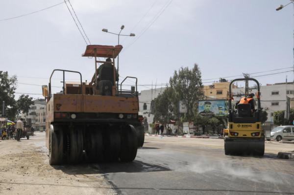 بلدية غزة تنجز أعمال صيانة بشارع صلاح الدين بحي الزيتون