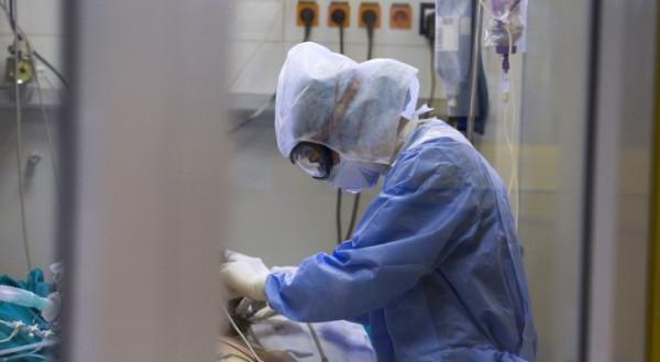 الأردن: مستعدون للموجة الثالثة من (كورونا) رغم رصد آثار جانبية لمتلقي اللقاح