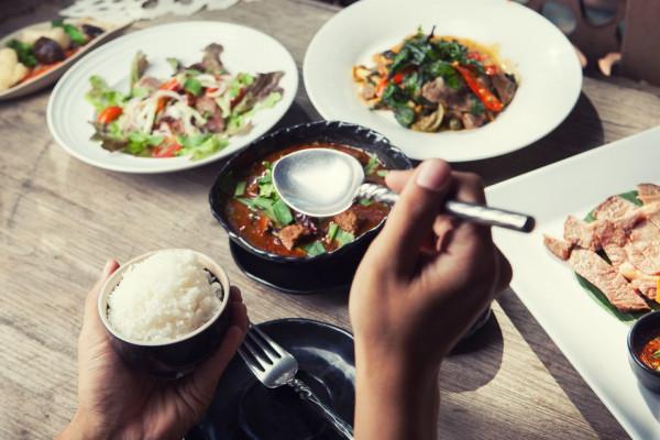 تعرف على أغرب العادات في تناول الطعام حول العالم