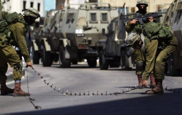 الاحتلال يغلق مدخلي قرية أم صفا شمال غرب رام الله