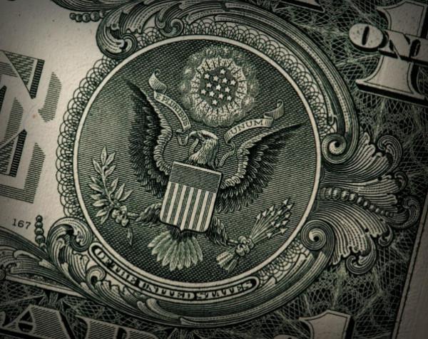 أخبار العملات الأجنبية: قوة الدولار الأمريكي