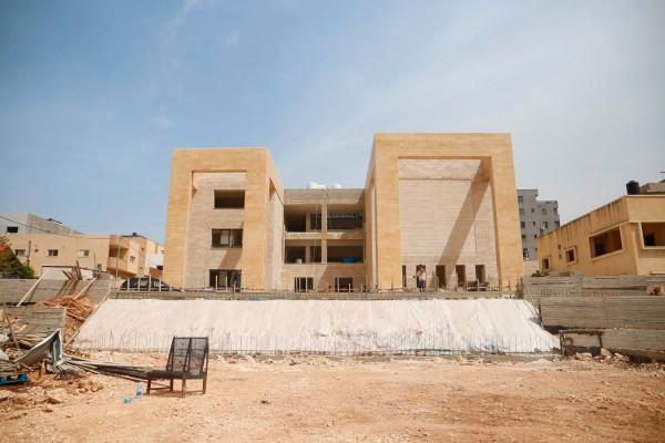 بلدية قلقيلية تنفذ مجموعة كبيرة من المشاريع في ان واحد في المدينة
