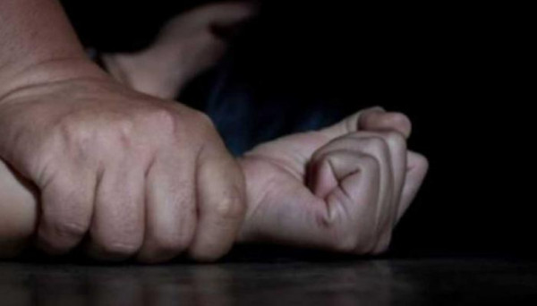 أمام الملأ.. إغتصاب جماعي لفتاة تعاني من إعاقة ذهنية.. وهذا ما حدث