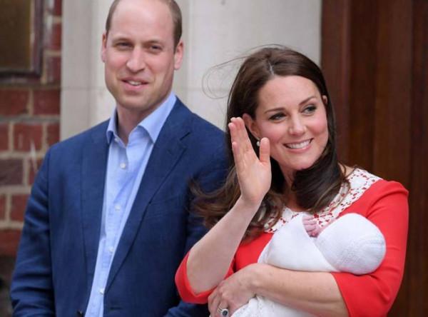 شاهد: كيف تحتفل العائلة المالكة في بريطانيا بعيد ميلاد حفيدتهم