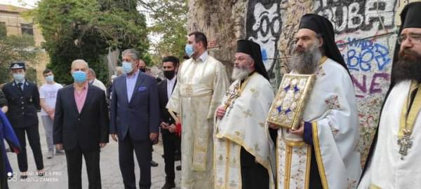 طوباسي يشارك باستقبال وصول النور إلى أثينا القادم من القدس