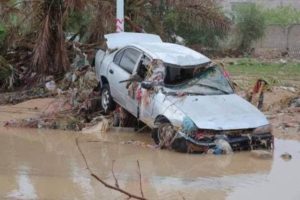 شاهد: السيول تجتاح مدينة تاريخية في اليمن مخلفة أضرارا مادية وبشرية