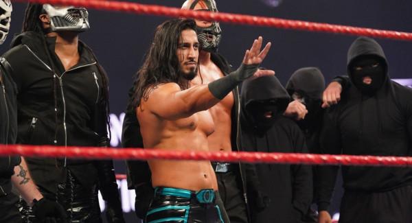 نجم WWE يتحدث عن جدوله التدريبي خلال شهر رمضان