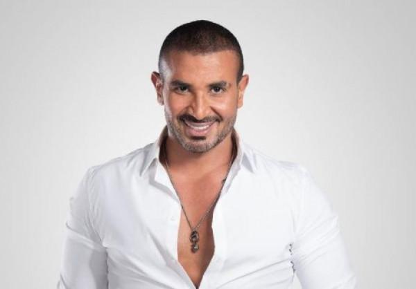 شاهد: بسبب هذا الخطأ.. أحمد سعد يتعرض للسخرية والإنتقاد الجارح