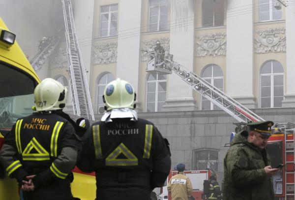 مصرع ثلاثة أشخاص بحريق اندلع في فندق بموسكو