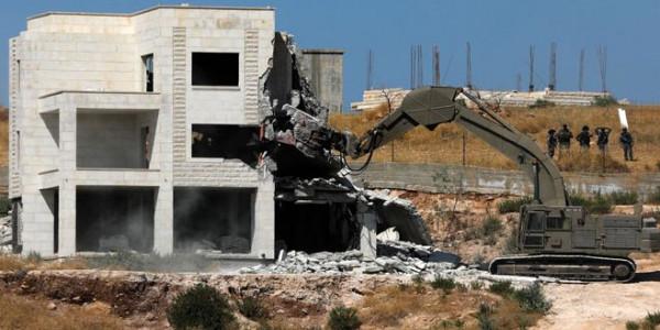 مركز شمس: (122) منشأة استهدفتها دولة الاحتلال بالضفة الغربية خلال شهر إبريل
